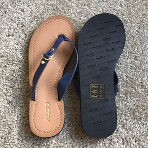 Meringwen Flip Flops